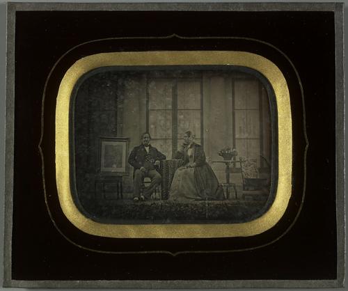 Beaulieu, Jean-Gabriel Eynard et sa femme devant leur maison