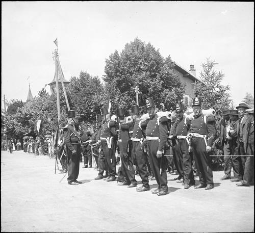 Versoix, fête du Centenaire: artilleurs