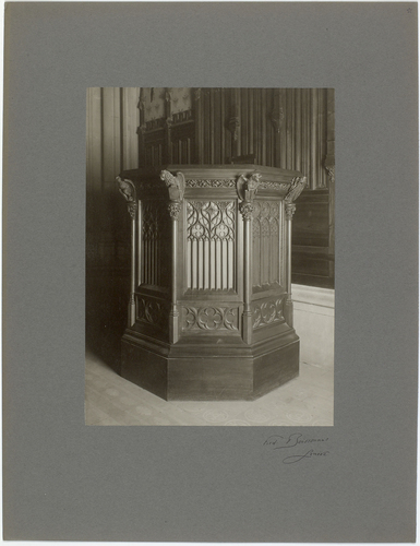 Genève, cour de Saint-Pierre: chaire de la chapelle des Macchabées