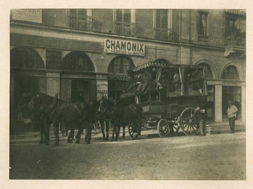 Genève, Grand quai: une diligence pour Chamonix en Haute-Savoie