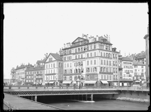 Genève, quai du Seujet avec la maison Soret