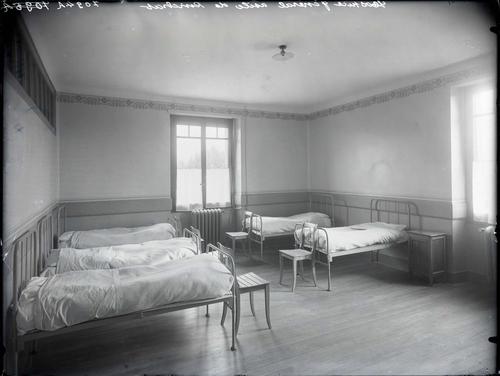 Carouge, chemin de Pinchat: orphelinat, chambre à coucher