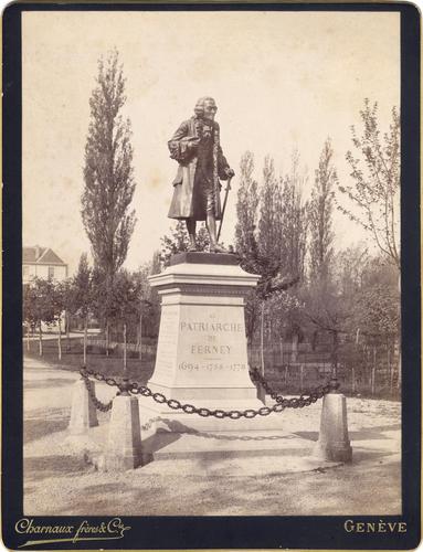Ain, Ferney-Voltaire: statue de Voltaire