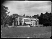 Jacques-Louis Brocher (Carouge, 1808 — Genève, 1884), architecte, François Frédéric dit Fred Boissonnas (Genève, 18/06/1858 — Genève, 17/10/1946), photographe