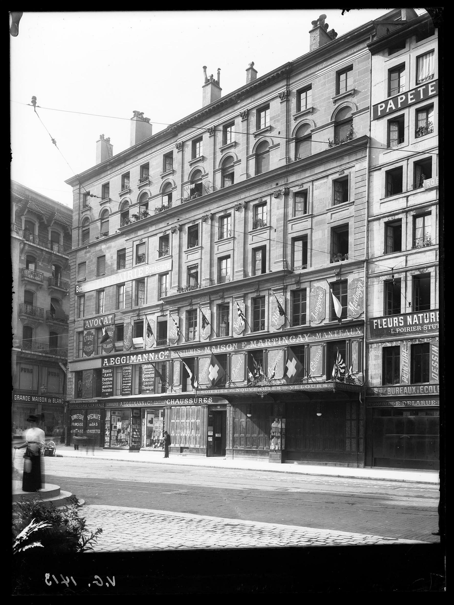 Gen Ve Place Du Molard Maison Bonnet Notre Histoire # La Place De Chaussure A La Maison