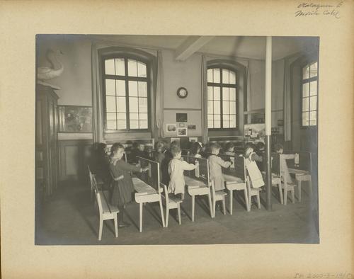 Genève, rue Ferdinand-Hodler: école primaire