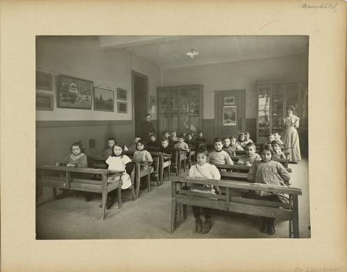 Genève, rue de Neuchâtel: école des Pâquis