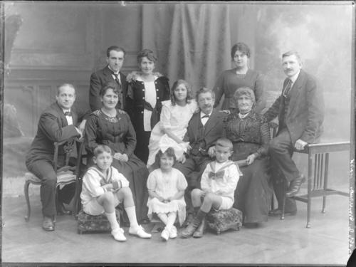 Portrait de groupe (famille Genecand ?)