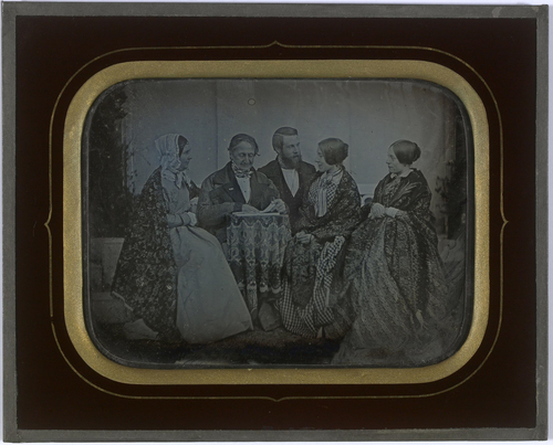 Jean-Gabriel Eynard et sa femme Anna Eynard et deux petites-nièces, Sophie de Charrière-Odier et Mathilde Horngacher-Odier avec son mari Charles Horngacher