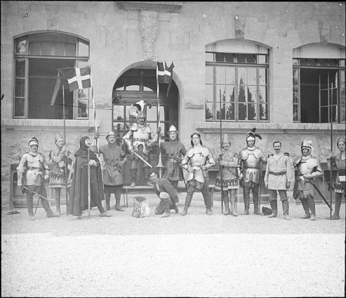 Genève, fêtes du Centenaire: groupe de Philibert Berthelier à Sécheron