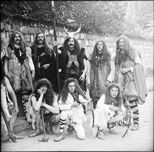 Genève, fêtes du Centenaire: groupe des Helvètes