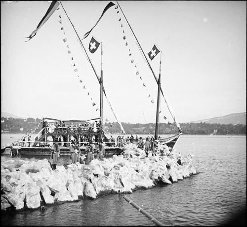 Genève, fêtes du Centenaire: arrivée de la barque lémanique