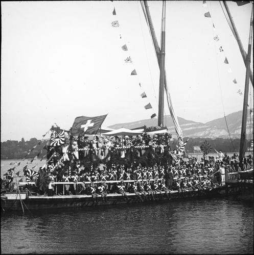Genève, fêtes du Centenaire: arrivée de la barque