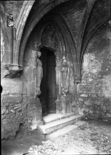 Haute-Savoie, Abondance: portail du cloître