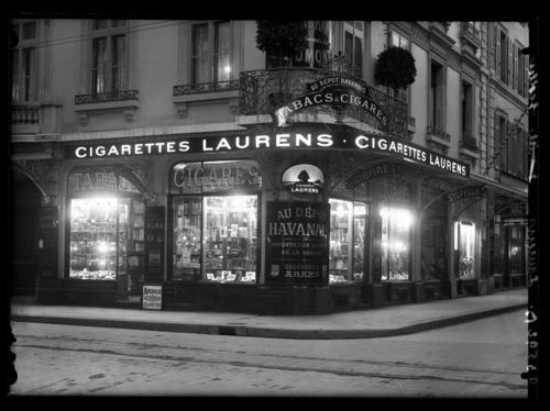 Genève, rue du Rhône: magasin de tabac