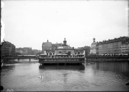 Genève, le pont de la Machine et les bains du Rhône