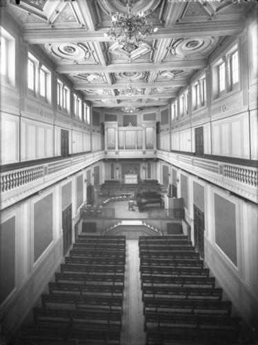 Genève, place de Neuve: Conservatoire de musique, vue intérieure de la salle de concert