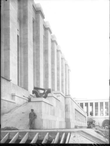 Genève, avenue de la Paix: palais des Nations en construction