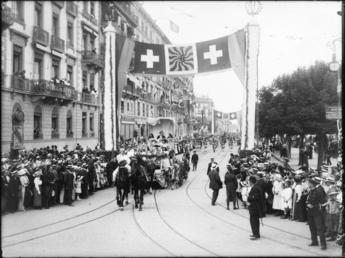 Genève, fêtes du Centenaire: cortège de clôture (Jean-Jacques Rousseau)