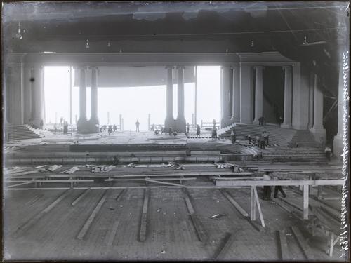 Genève, fêtes du Centenaire: construction du théâtre