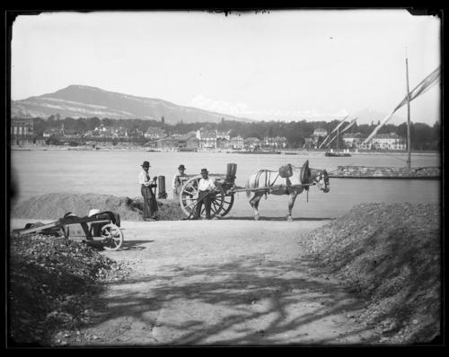 Genève, quai Gustave-Ador (vu depuis la rive droite)