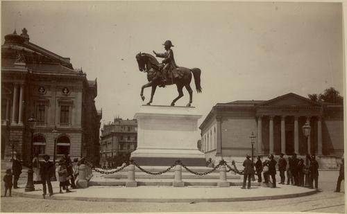 Genève, place de Neuve: statue équestre du général Dufour