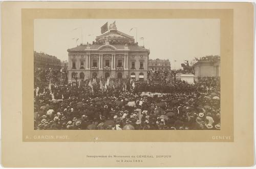 Genève, place de Neuve: inauguration de la statue équestre du général Dufour