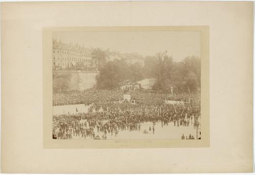 Genève, place de Neuve: inauguration de la statue du général Dufour