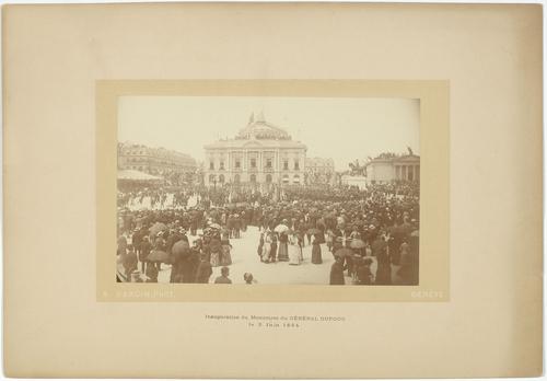 Genève, place de Neuve: inauguration du monument du général Dufour
