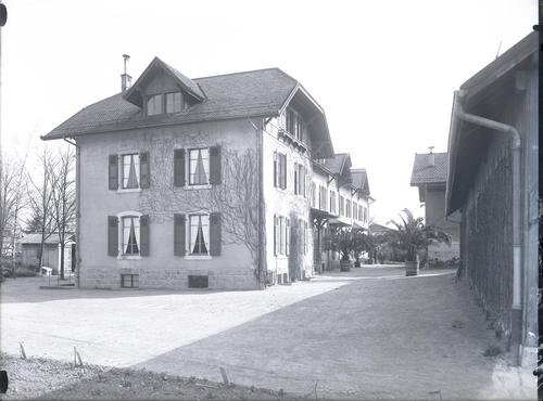 Genève, avenue de Châtelaine: école d'horticulture, maison principale et dépendances