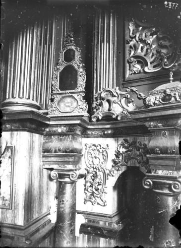 Haute-Savoie, Saint-Nicolas de Véroce: reliquaire en cuivre