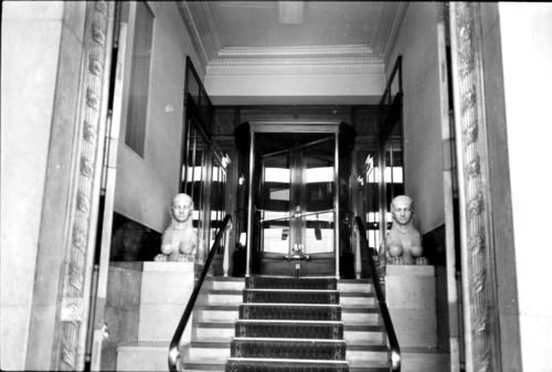 Genève, rue du Mont-blanc: hôtel de Russie (entrée)