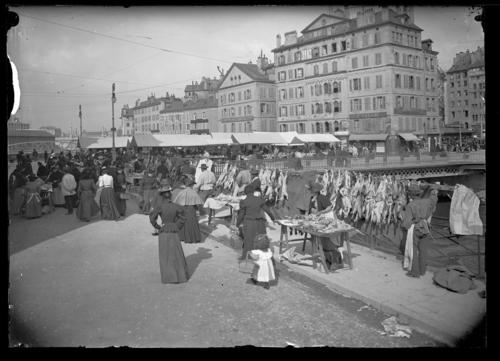 Genève, quai des Moulins: marché de l'Ile