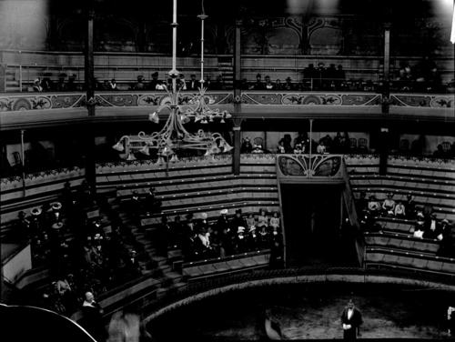 Genève, place du Cirque: vue intérieure du cirque Rancy