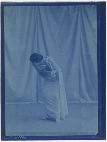 Magdeleine G. dansant sous hypnose
