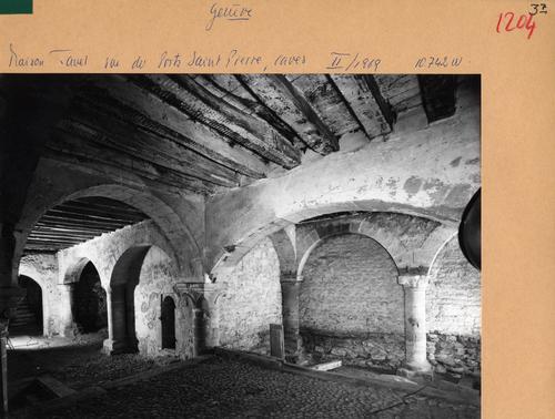 Genève, rue du Puits-Saint-Pierre: maison Tavel (caves)