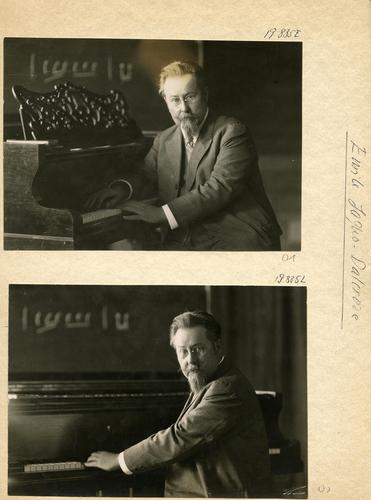Emile Jaques-Dalcroze (1865-1950) au piano