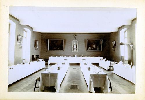 Haute-Savoie, Etrembières: pensionnat des Fidèles Compagnes de Jésus (réfectoire du bâtiment principal)