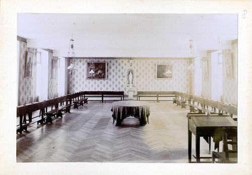 Haute-Savoie, Etrembières: pensionnat des Fidèles Compagnes de Jésus (salle de cours du bâtiment princiipal)