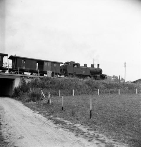 Satigny, train sur la ligne ferroviaire Lyon-Genève (kilomètre 158,8)