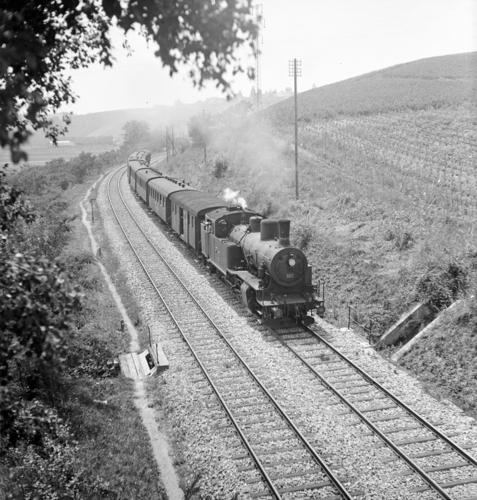 Russin, train sur la ligne ferroviaire Lyon-Genève (km 155,6)