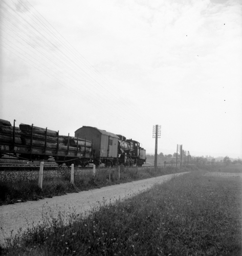 Satigny, train sur la ligne ferroviaire Lyon-Genève (km 157,8)