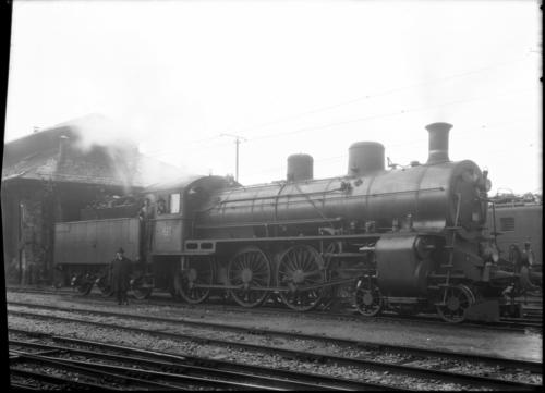 Genève, Cornavin: locomotive A3/5 620 avec un tander