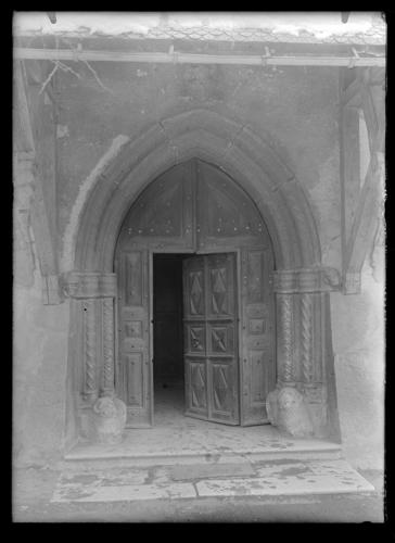 Haute-Savoie, Samoëns: portail de 1555
