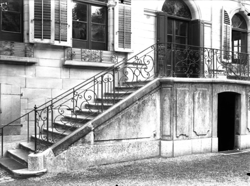 Genève, rue des Eaux-vives: ancienne maison Senn (escalier extérieur)