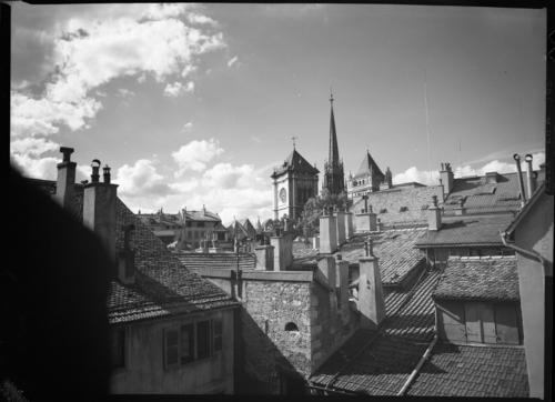 Genève, cathédrale Saint Pierre et toits de la vieille ville
