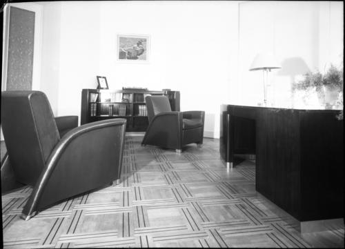 Genève, rue Général-Dufour: cabinet du dentiste Chamay, bureau