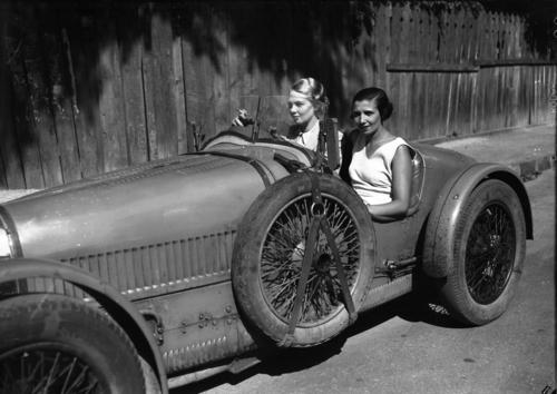 Automobile Bugatti torpedo sport