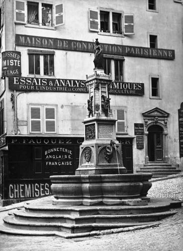 Genève, Cité: fontaine de l'Escalade