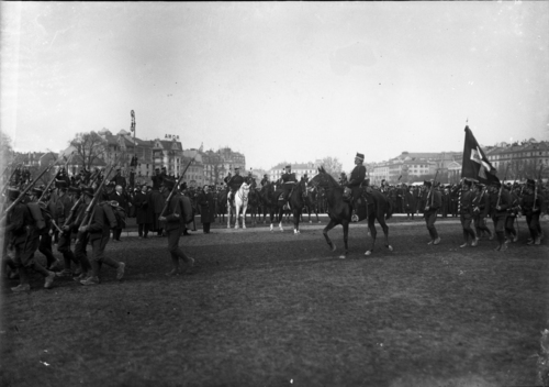 Genève, plaine de Plainpalais: défilé des troupes genevoises lors de la démobilisation partielle et provisoire d'une partie de la première division